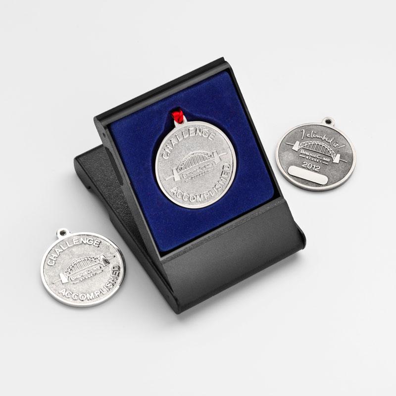 Medallion 03